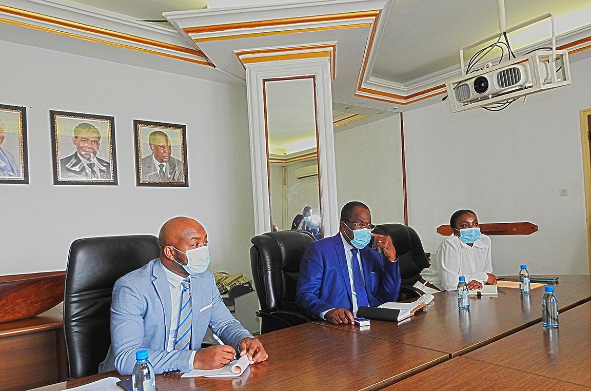 Séance de travail entre les Présidents de la COSUMAF et de la BDEAC à Libreville, République Gabonaise